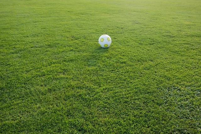 football-472047_640
